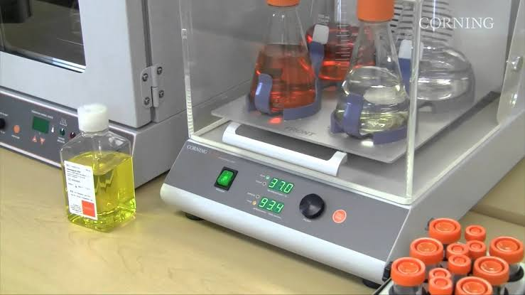 Top Specifications of Shaking Incubators and Microbiological Incubators