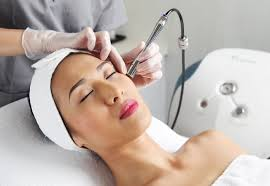 Diamond Skin Polishing Therapy: How to get a Glowing Skin?