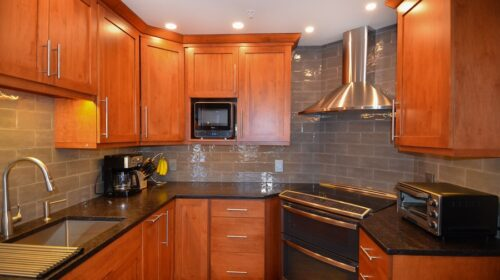 Reasons for Choosing Cherry Wood Kitchen Cabinets Over and Again 2