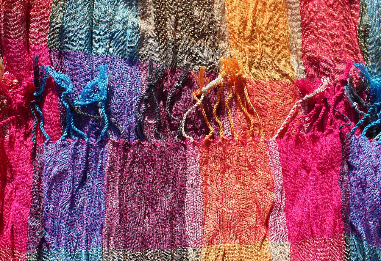 5 Reasons Why Scarves Make the Perfect Holiday Gifts 2