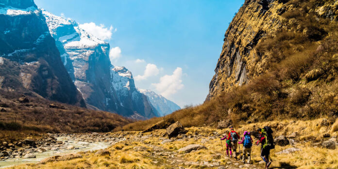 10 Snow trips in India For your life's best trekking adventure 2